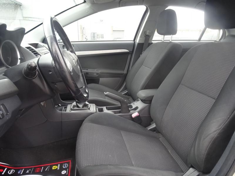 Photo 10 de l'offre de MITSUBISHI LANCER 2.0 DI-D INTENSE 4P à 7490€ chez International Auto Auneau