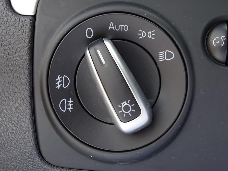Photo 6 de l'offre de VOLKSWAGEN SCIROCCO 2.0 TDI 140CH FAP CARAT à 11490€ chez International Auto Auneau