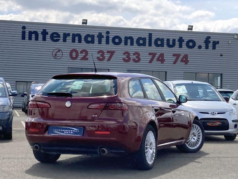 Photo 3 de l'offre de ALFA ROMEO 159 SW 2.4 JTD200 20V SELECTIVE QTRONIC à 8890€ chez International Auto Auneau