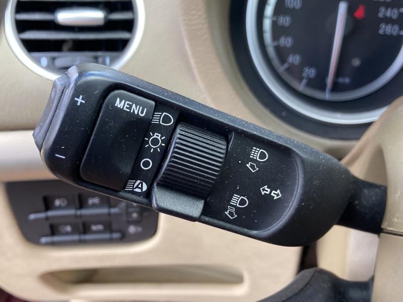Photo 11 de l'offre de ALFA ROMEO 159 SW 2.4 JTD200 20V SELECTIVE QTRONIC à 8890€ chez International Auto Auneau