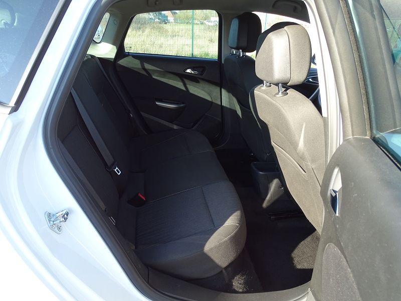 Photo 9 de l'offre de OPEL ASTRA 1.7 CDTI110 FAP BLACK & WHITE à 7890€ chez International Auto Auneau
