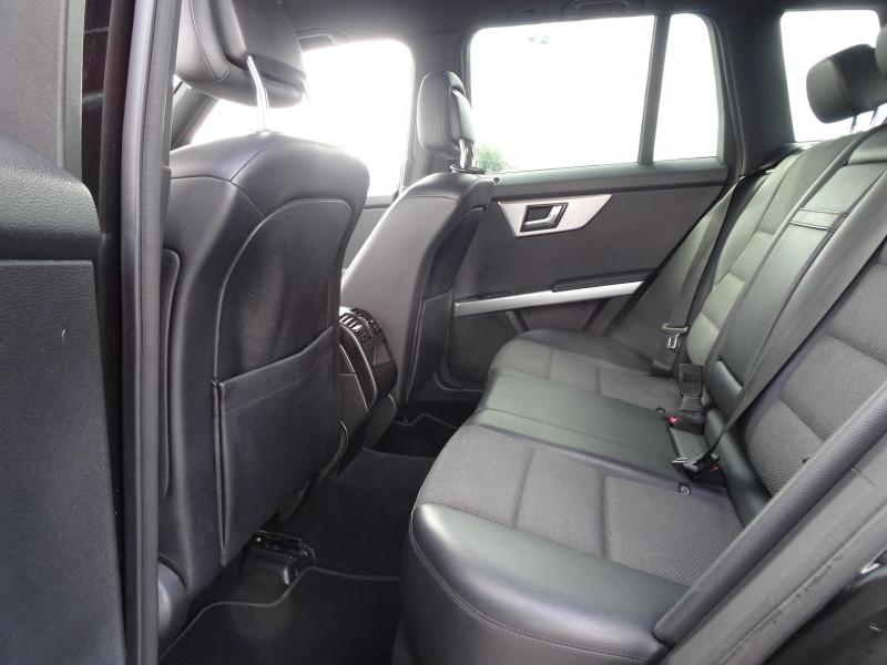 Photo 7 de l'offre de MERCEDES-BENZ CLASSE GLK (X204) 280 PACK SPORT 4 MATIC à 13490€ chez International Auto Auneau