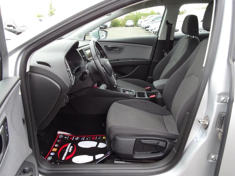 Photo 5 de l'offre de SEAT LEON ST 1.6 TDI 115CH FAP STYLE à 10990€ chez International Auto Auneau