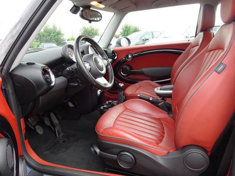 Photo 3 de l'offre de MINI MINI COOPER D 110CH à 9890€ chez International Auto Auneau