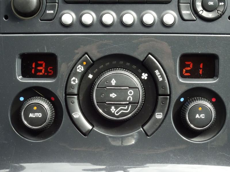Photo 10 de l'offre de PEUGEOT 5008 1.6 HDI FAP CONFORT PACK 7PL à 3590€ chez International Auto Auneau