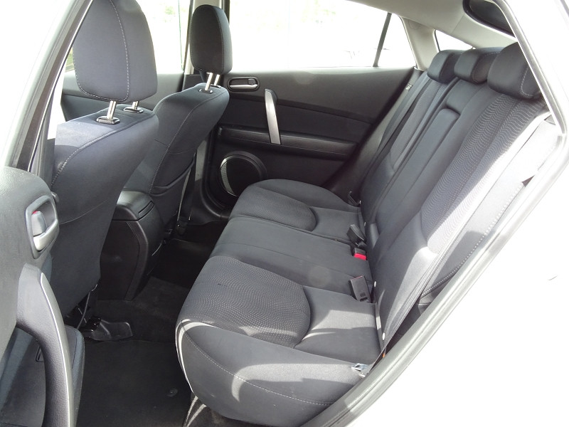 Photo 5 de l'offre de MAZDA MAZDA 6 2.2 MZR-CD125 ELEGANCE 5P à 7390€ chez International Auto Auneau