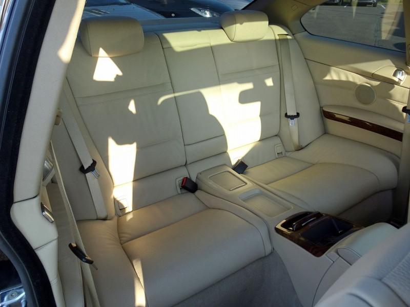 Photo 19 de l'offre de BMW SERIE 3 COUPE (E92) 325IA 218CH LUXE à 11890€ chez International Auto Auneau