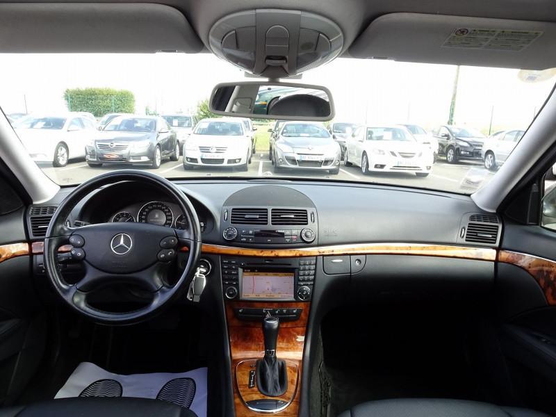 Photo 15 de l'offre de MERCEDES-BENZ CLASSE E BREAK (S211) 200 CDI ELEGANCE OPTIMUM BA à 10990€ chez International Auto Auneau