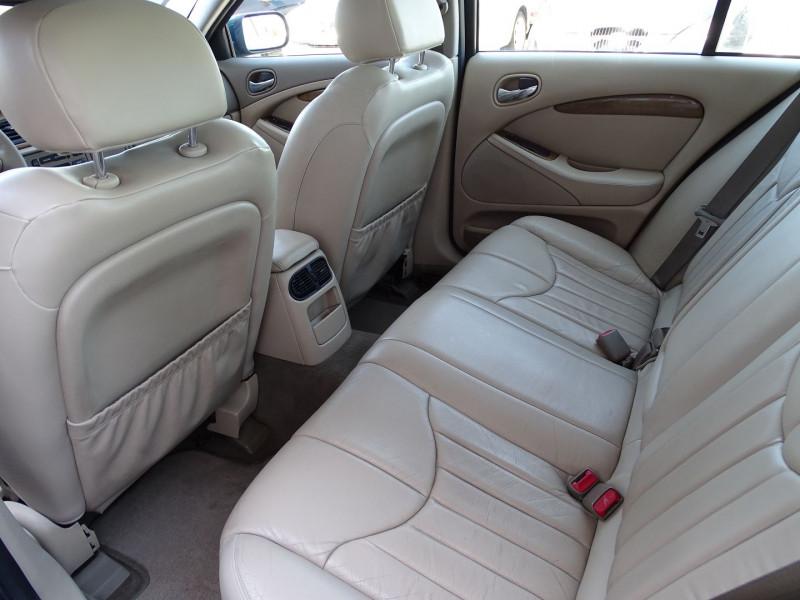 Photo 5 de l'offre de JAGUAR S-TYPE 3.0 V6 PACK SPORT BA à 7490€ chez International Auto Auneau