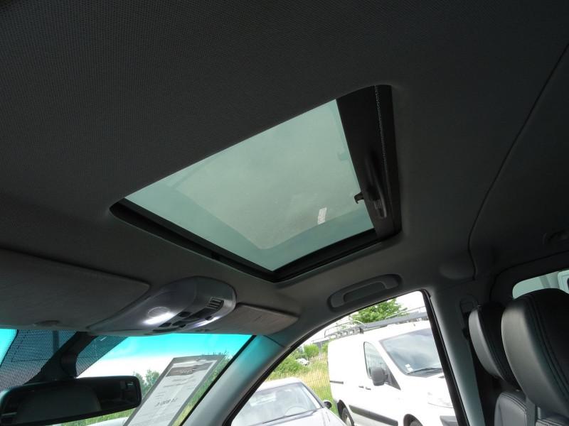Photo 14 de l'offre de MERCEDES-BENZ VIANO CDI 2.2 AMBIENTE COMPACT à 14890€ chez International Auto Auneau