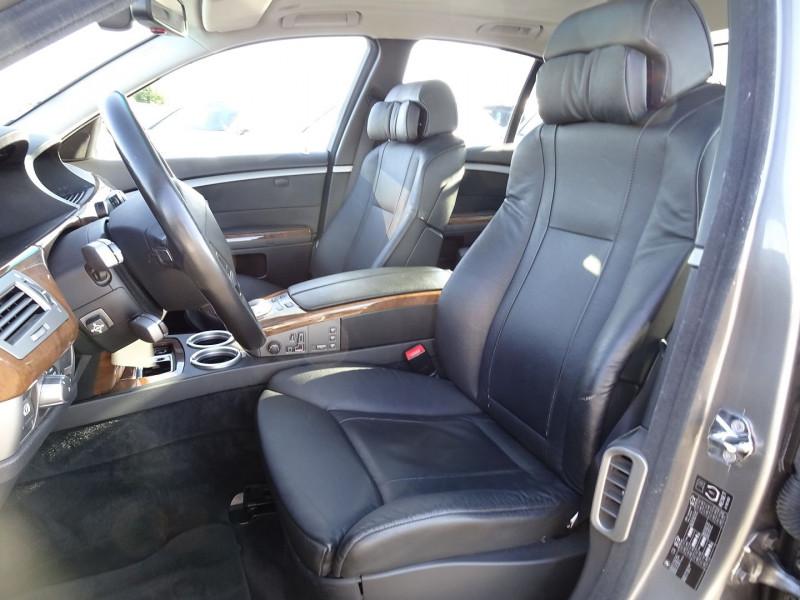Photo 11 de l'offre de BMW SERIE 7 (E65) 730DA 231CH à 14490€ chez International Auto Auneau