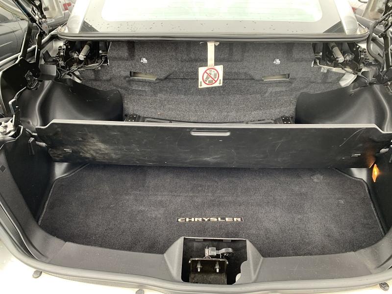 Photo 10 de l'offre de CHRYSLER SEBRING CABRIOLET 2.0 CRD LIMITED TOIT RIGIDE à 8690€ chez International Auto Auneau