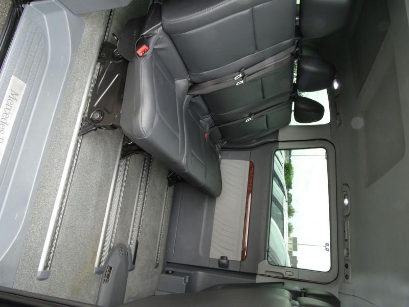 Photo 7 de l'offre de MERCEDES-BENZ VIANO CDI 2.2 AMBIENTE COMPACT à 14890€ chez International Auto Auneau
