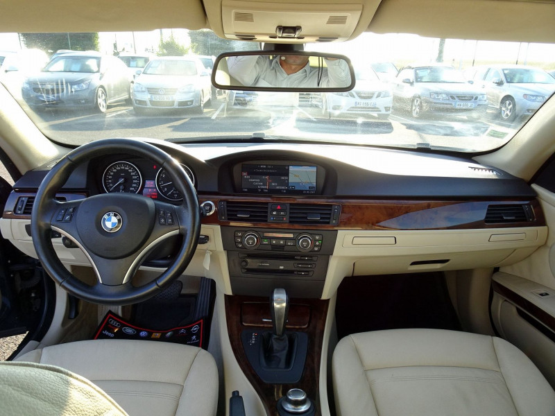 Photo 15 de l'offre de BMW SERIE 3 COUPE (E92) 325IA 218CH LUXE à 11890€ chez International Auto Auneau