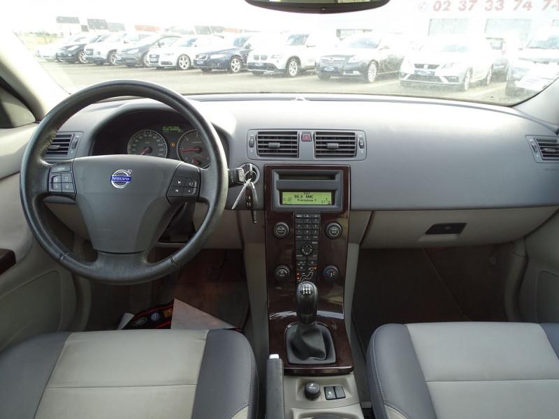 Photo 9 de l'offre de VOLVO V50 1.6 D 110CH MOMENTUM à 5390€ chez International Auto Auneau