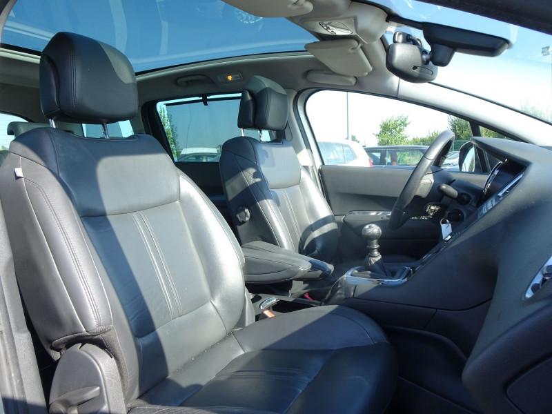 Photo 5 de l'offre de PEUGEOT 5008 1.6 HDI FAP PREMIUM PACK 7PL à 8790€ chez International Auto Auneau