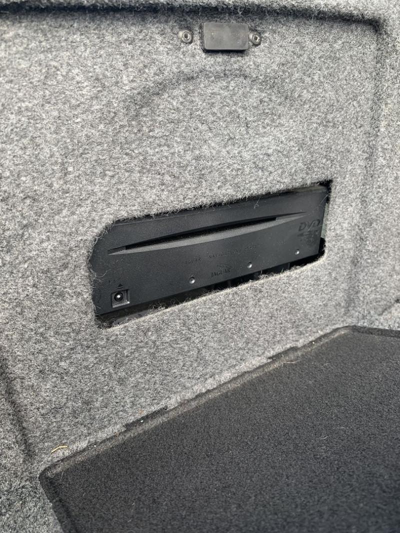 Photo 18 de l'offre de JAGUAR X-TYPE 3.0 V6 EXECUTIVE à 8790€ chez International Auto Auneau