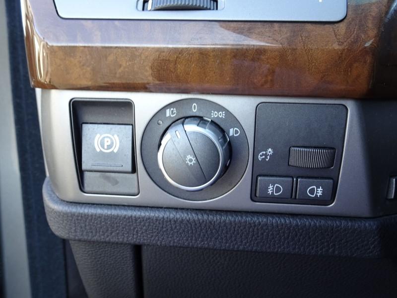 Photo 6 de l'offre de BMW SERIE 7 (E65) 730DA 231CH à 14490€ chez International Auto Auneau