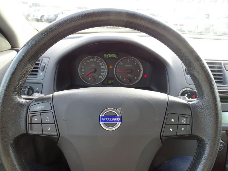 Photo 5 de l'offre de VOLVO V50 1.6 D 110CH MOMENTUM à 5390€ chez International Auto Auneau