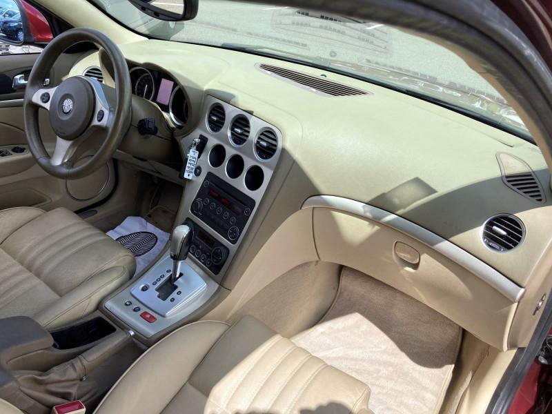 Photo 16 de l'offre de ALFA ROMEO 159 SW 2.4 JTD200 20V SELECTIVE QTRONIC à 8890€ chez International Auto Auneau