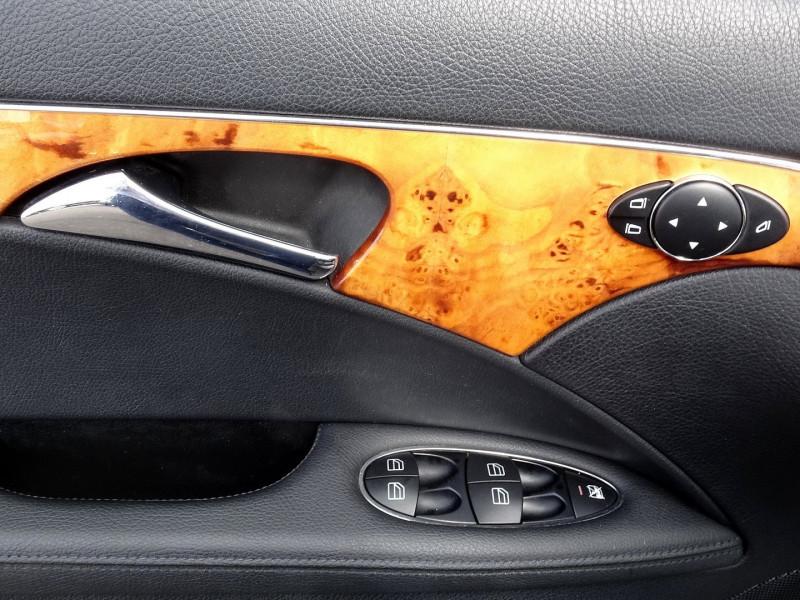 Photo 4 de l'offre de MERCEDES-BENZ CLASSE E BREAK (S211) 200 CDI ELEGANCE OPTIMUM BA à 10990€ chez International Auto Auneau