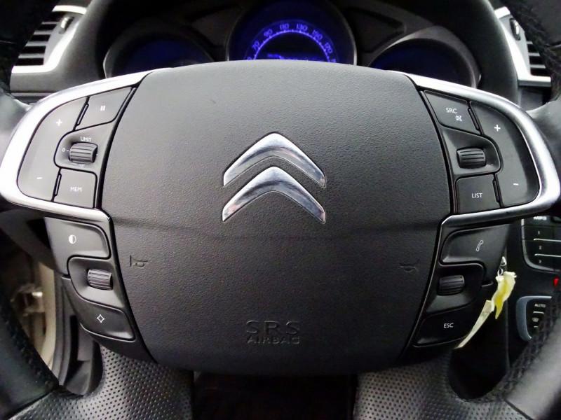 Photo 11 de l'offre de CITROEN C4 1.6 VTI 120CH CONFORT BVA à 8890€ chez International Auto Auneau