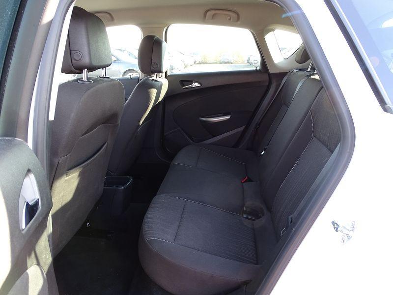 Photo 8 de l'offre de OPEL ASTRA 1.7 CDTI110 FAP BLACK & WHITE à 7890€ chez International Auto Auneau