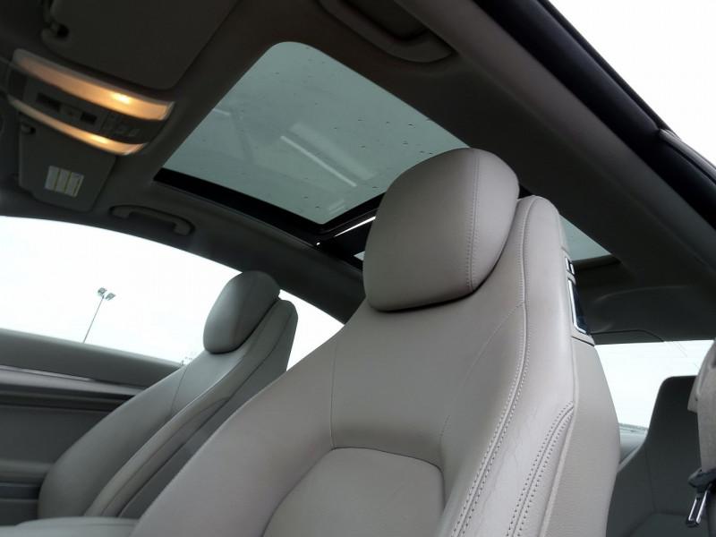 Photo 14 de l'offre de MERCEDES-BENZ CLASSE E COUPE (C207) 350 CDI EXECUTIVE BE BA à 15890€ chez International Auto Auneau