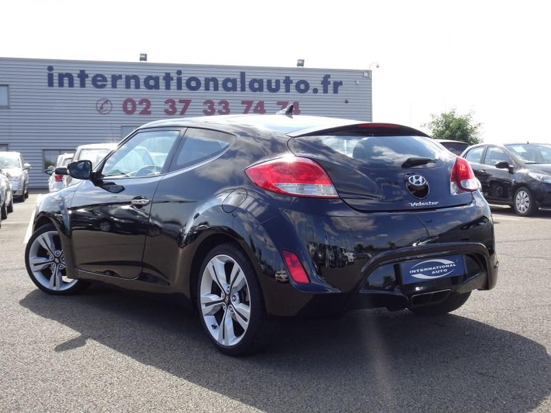 Photo 2 de l'offre de HYUNDAI VELOSTER 1.6 GDI PACK PREMIUM à 10390€ chez International Auto Auneau