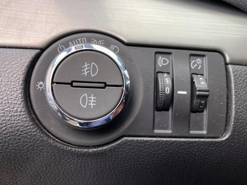 Photo 20 de l'offre de OPEL MOKKA 1.7 CDTI 130CH COSMO ECOFLEX START&STOP 4X4 à 9990€ chez International Auto Auneau