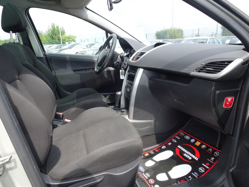 Photo 5 de l'offre de PEUGEOT 207 SW 1.6 VTI 16V PREMIUM BA à 5990€ chez International Auto Auneau