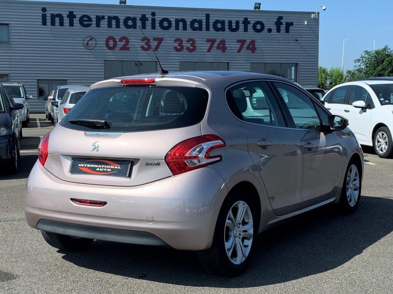 Photo 2 de l'offre de PEUGEOT 208 1.6 VTI ALLURE 5P à 8690€ chez International Auto Auneau
