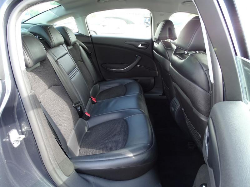 Photo 14 de l'offre de CITROEN C5 2.2 HDI173 FAP EXCLUSIVE à 8690€ chez International Auto Auneau