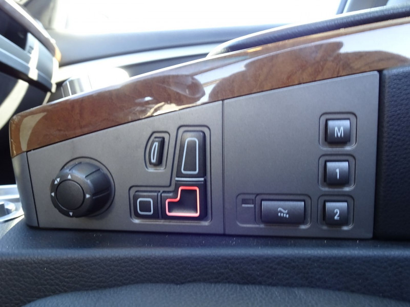 Photo 12 de l'offre de BMW SERIE 7 (E65) 730DA 231CH à 14490€ chez International Auto Auneau