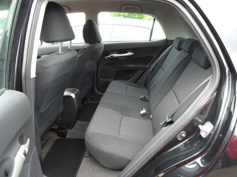 Photo 11 de l'offre de TOYOTA AURIS 126 D-4D FAP DYNAMIC PACK GPS 5P à 6890€ chez International Auto Auneau