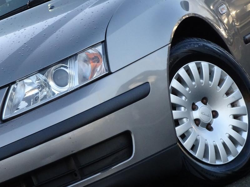 Photo 3 de l'offre de SAAB 9-3 1.9 TID150 FAP LINEAR SPORT SENTRONIC à 6590€ chez International Auto Auneau