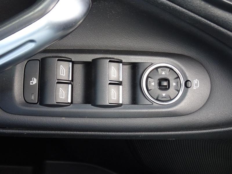 Photo 13 de l'offre de FORD GALAXY 2.2 TDCI 200CH FAP TITANIUM BVA à 12790€ chez International Auto Auneau