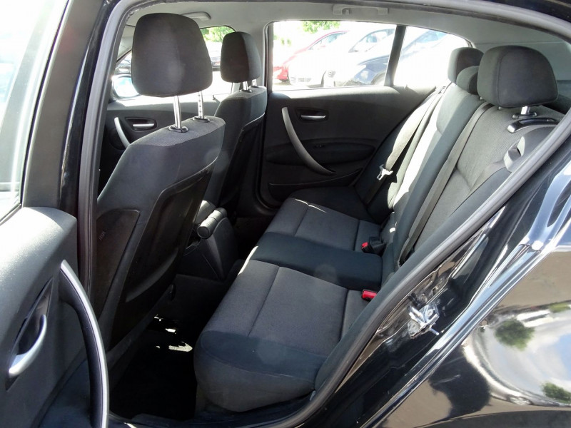 Photo 9 de l'offre de BMW SERIE 1 (E81/E87) 118D 122CH CONFORT 5P à 5890€ chez International Auto Auneau
