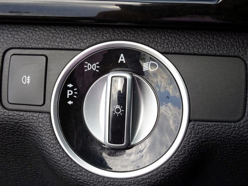Photo 10 de l'offre de MERCEDES-BENZ CLASSE E BREAK (S212) 220 CDI BE AVANTGARDE EXECUTIVE BA à 14890€ chez International Auto Auneau