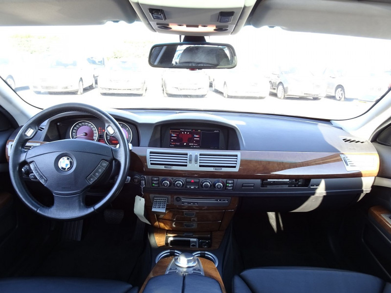 Photo 13 de l'offre de BMW SERIE 7 (E65) 730DA 231CH à 14490€ chez International Auto Auneau