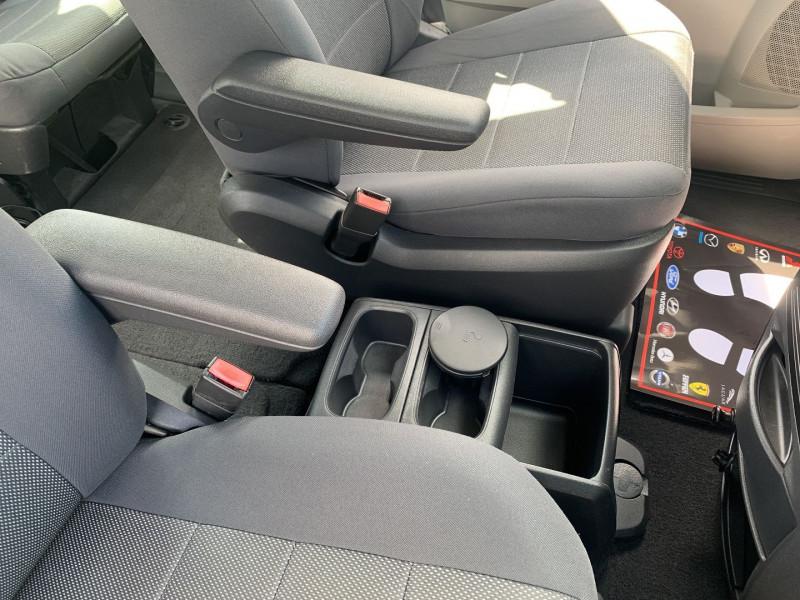 Photo 6 de l'offre de CHRYSLER GRAND VOYAGER 2.8 CRD LX BA à 10890€ chez International Auto Auneau