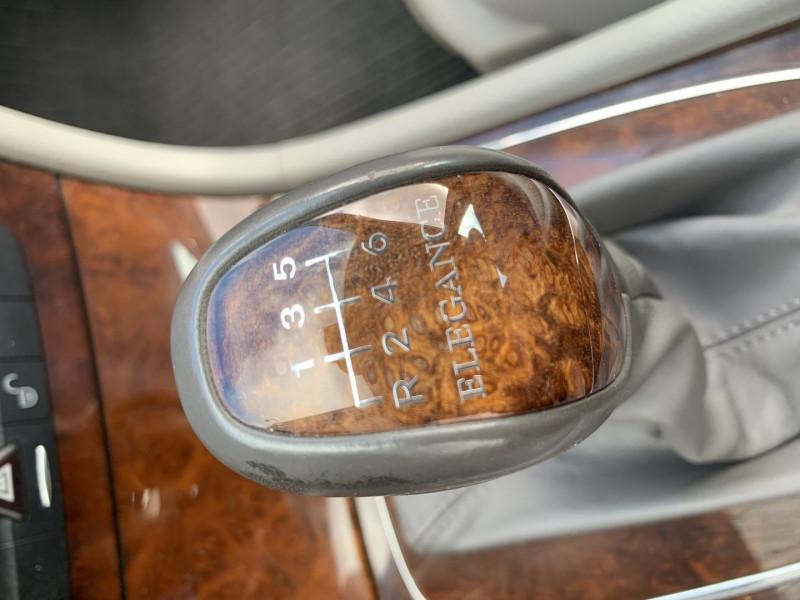 Photo 10 de l'offre de MERCEDES-BENZ CLASSE E (W211) 270 CDI ELEGANCE BV6 à 7990€ chez International Auto Auneau