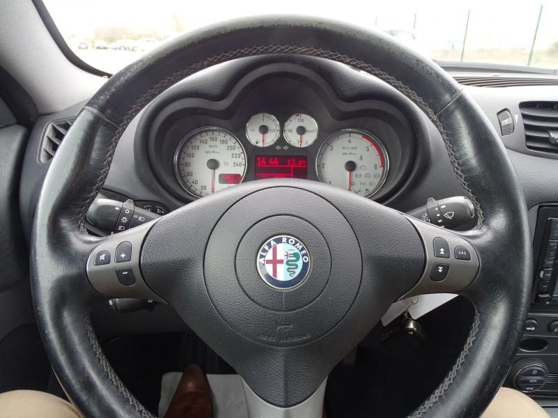 Photo 4 de l'offre de ALFA ROMEO GT 1.9 JTD150 MULTIJET SELECTIVE à 7790€ chez International Auto Auneau