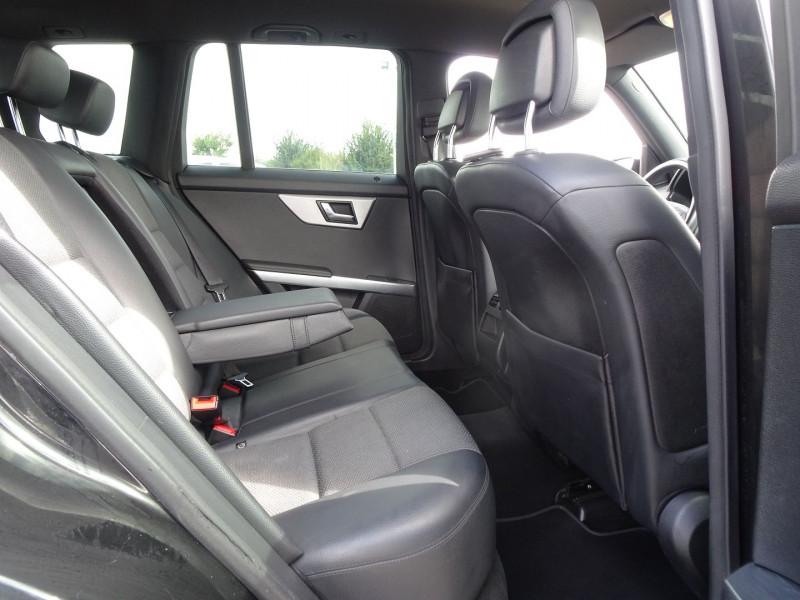Photo 8 de l'offre de MERCEDES-BENZ CLASSE GLK (X204) 280 PACK SPORT 4 MATIC à 13490€ chez International Auto Auneau