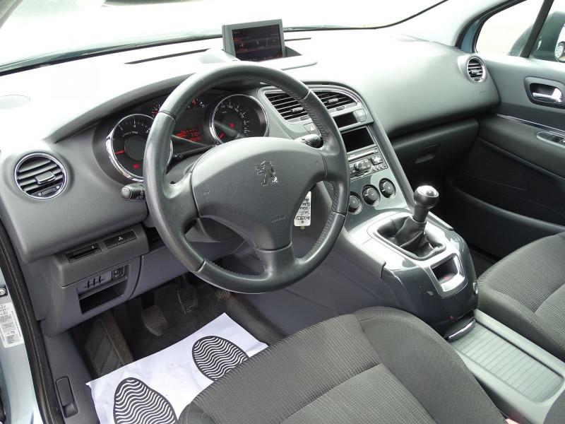 Photo 5 de l'offre de PEUGEOT 5008 1.6 VTI 16V CONFORT PACK 5PL à 5990€ chez International Auto Auneau