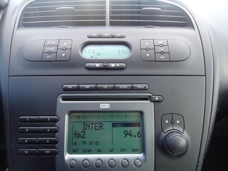 Photo 3 de l'offre de SEAT ALTEA 1.6 REFERENCE à 5290€ chez International Auto Auneau