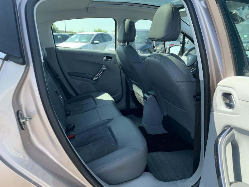 Photo 6 de l'offre de PEUGEOT 208 1.6 VTI ALLURE 5P à 8690€ chez International Auto Auneau