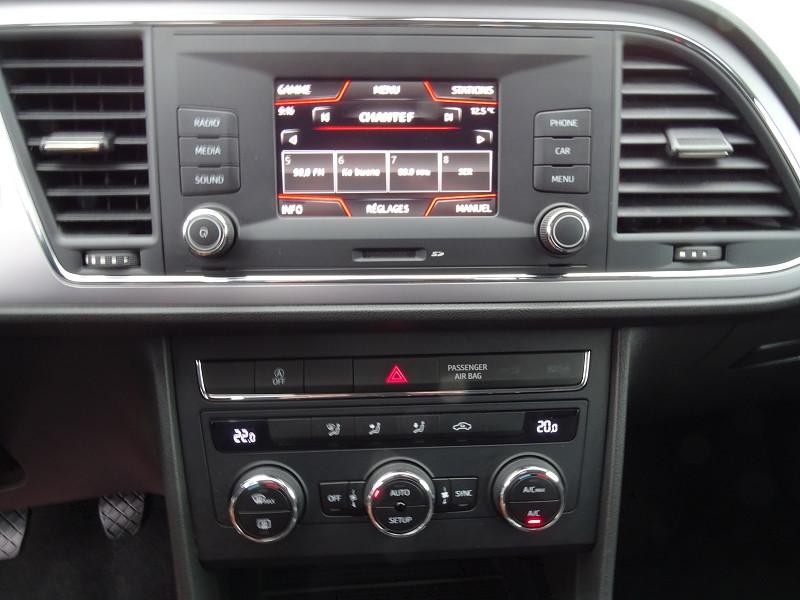 Photo 8 de l'offre de SEAT LEON ST 1.6 TDI 115CH FAP STYLE à 10990€ chez International Auto Auneau