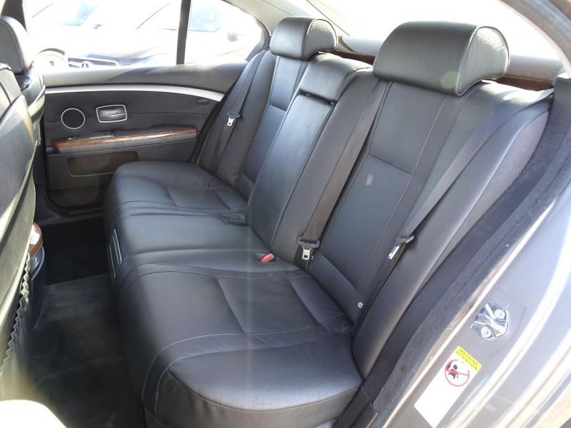 Photo 16 de l'offre de BMW SERIE 7 (E65) 730DA 231CH à 14490€ chez International Auto Auneau
