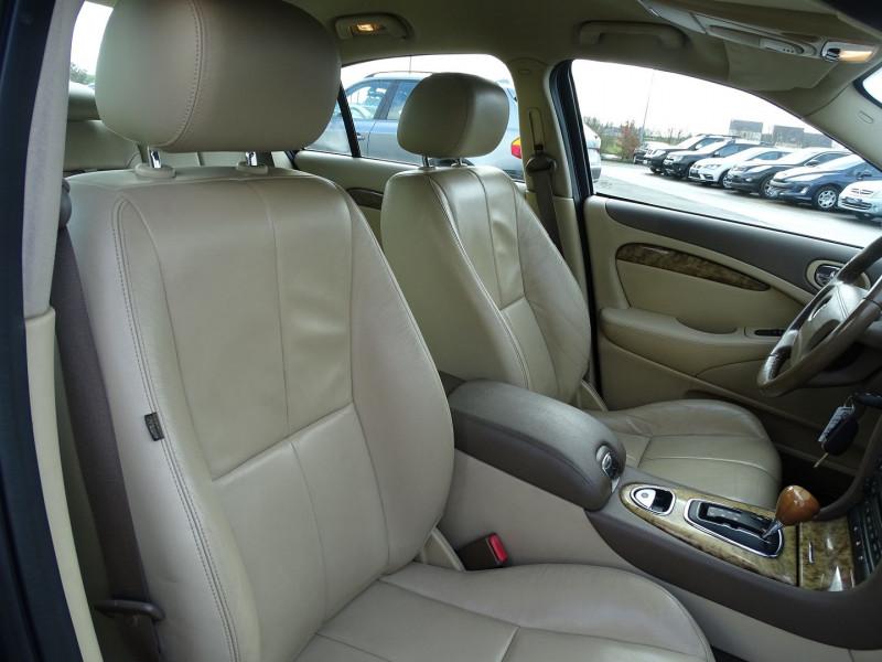 Photo 14 de l'offre de JAGUAR S-TYPE 2.7D BI-TURBO CLASSIQUE BA à 7890€ chez International Auto Auneau